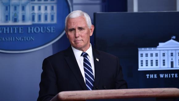 Mike Pence descartó que vaya a invocar la Enmienda 25 de la Constitución para destituir al presidente  Donald Trump. (Foto: Brendan Smialowski / AFP)