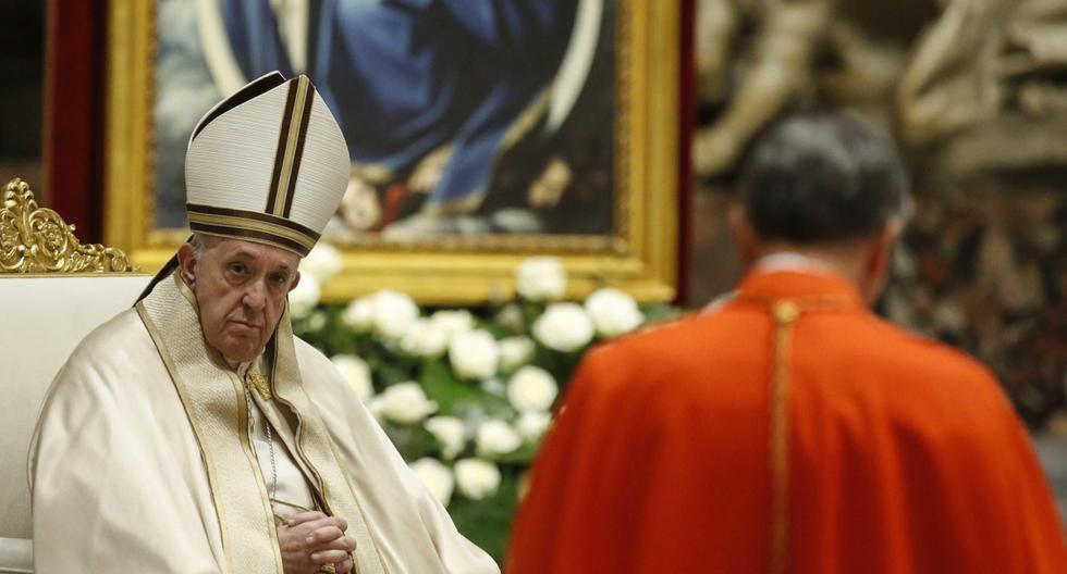 El Papa Francisco durante una ceremonia del consistorio en la basílica de San Pedro en la Ciudad del Vaticano, el 28 de noviembre de 2020. (EFE/EPA/FABIO FRUSTACI).