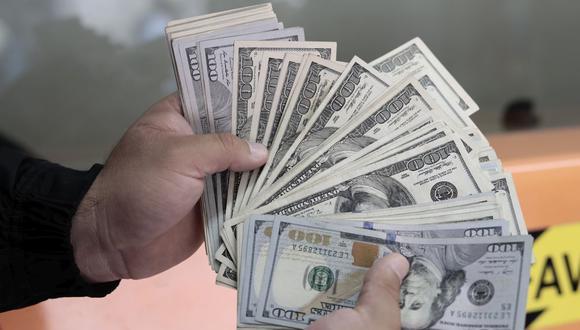 Dólar registra un retroceso de 0.67% en las primeras operaciones en el mercado interbancario este lunes. (Foto: Jessica Vicente / GEC)