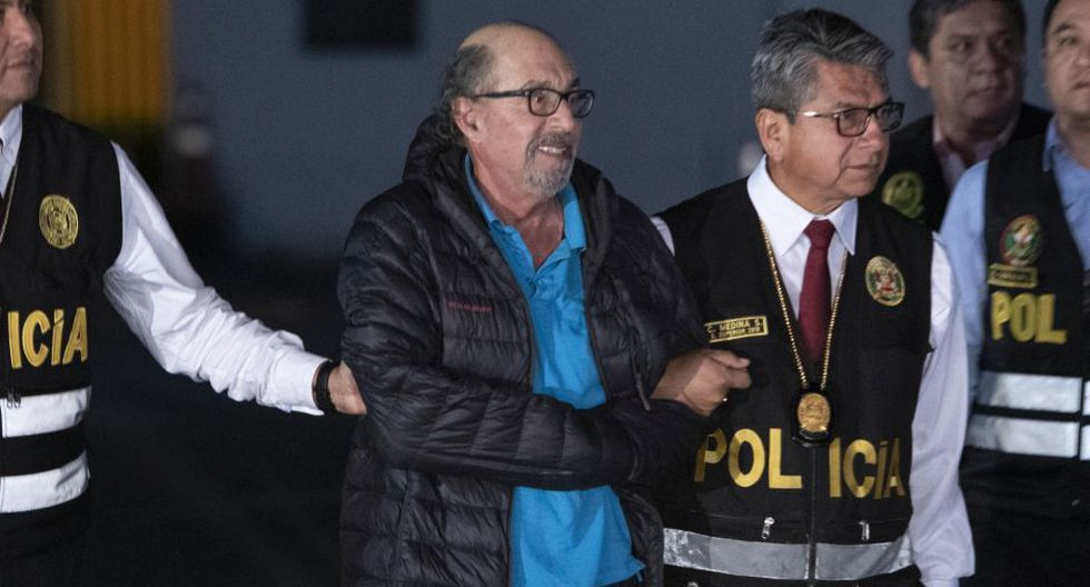 El excongresista Edwin Donayre fue capturado la noche del miércoles 30 de octubre, en la avenida Buenos Aires, cerca de la plaza de armas, en el distrito de Puente Piedra por la Policía Nacional del Perú (PNP) tras permanecer casi 6 meses prófugo de la justicia. (Foto: José Rojas/GEC)