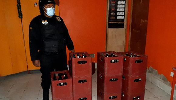 Cajas de cerveza fueron decomisadas por los agentes del orden. (Foto: Difusión)