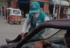 Chófer fuga para no ser multado y se lleva a inspector de tránsito en el capot del auto en Huánuco (VIDEO)