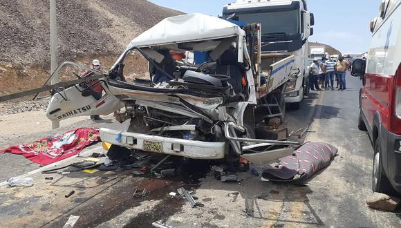 Ica: ocupantes de camión grúa mueren aplastados en la bajada de San José en Nasca.
