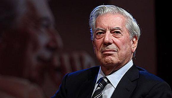 Exposición hemerográfica elogia los seis años del Nobel a Mario Vargas Llosa