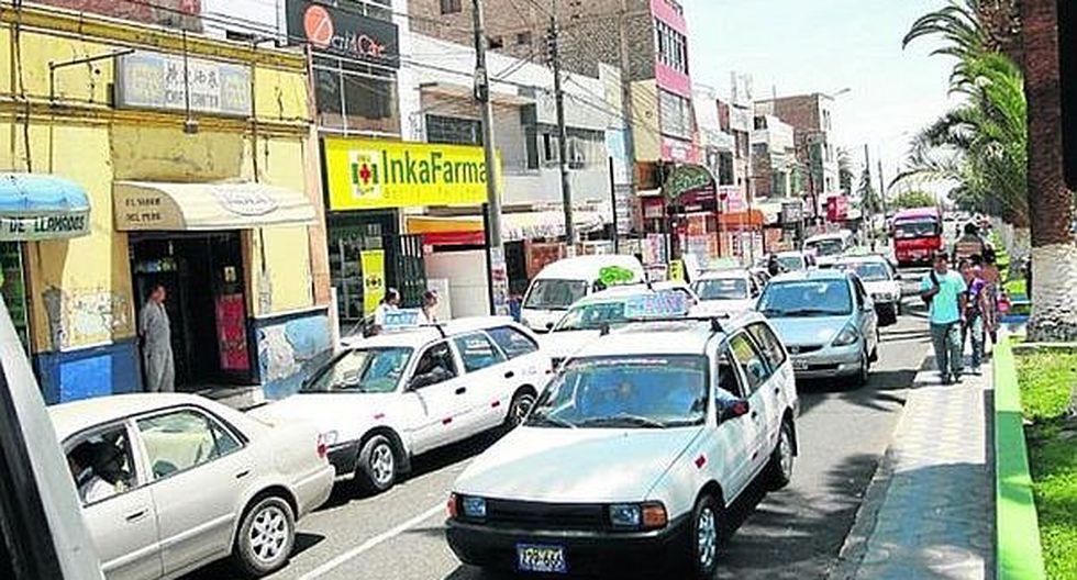 Taxistas esperan diálogo con alcalde Luis Torres y amenazan con ir a huelga