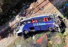 Al menos 16 muertos al caer un autobús a un barranco en Brasil