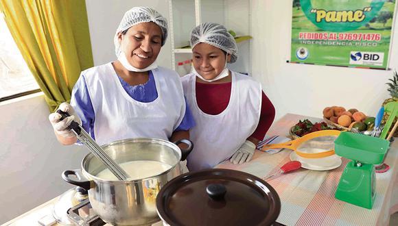 Estas dos inagotables mujeres de Pisco se dieron a conocer a través de las ferias del programa Pisco Emprendedor de Camisea.