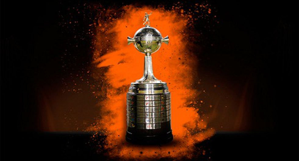 "Se sortea la Libertadores 2013 y premian al ""Trucha"" Rojas"