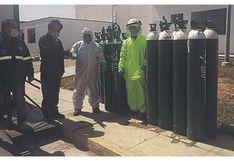 Chimbote: Dona balones de oxígeno para pacientes COVID-19