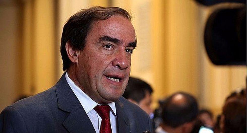 """Yonhy Lescano: """"AP votará a favor de exonerar de comisiones a proyecto de Vizcarra"""""""