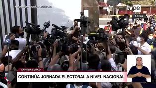Keiko Fujimori: Caos y aglomeración de personas a la salida de la candidata de su local de votación (VIDEO)
