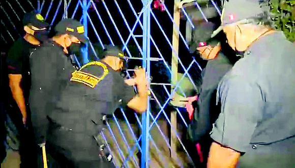 """La Policía interviene el bar  """"El Gato"""" a martillazos en Sullana"""