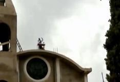 Sacerdote realiza misas desde el techo de la Iglesia en Tomayquichua, en Huánuco (VIDEO)