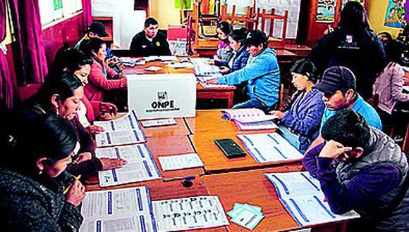 Miembros de mesa se capacitaron para elecciones congresales