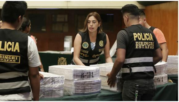 La Policía incautó el dinero falsificado en una casa ubicada en la calle Bambamarca, en el asentamiento humano Villa Mar. (Fotos: César Bueno)