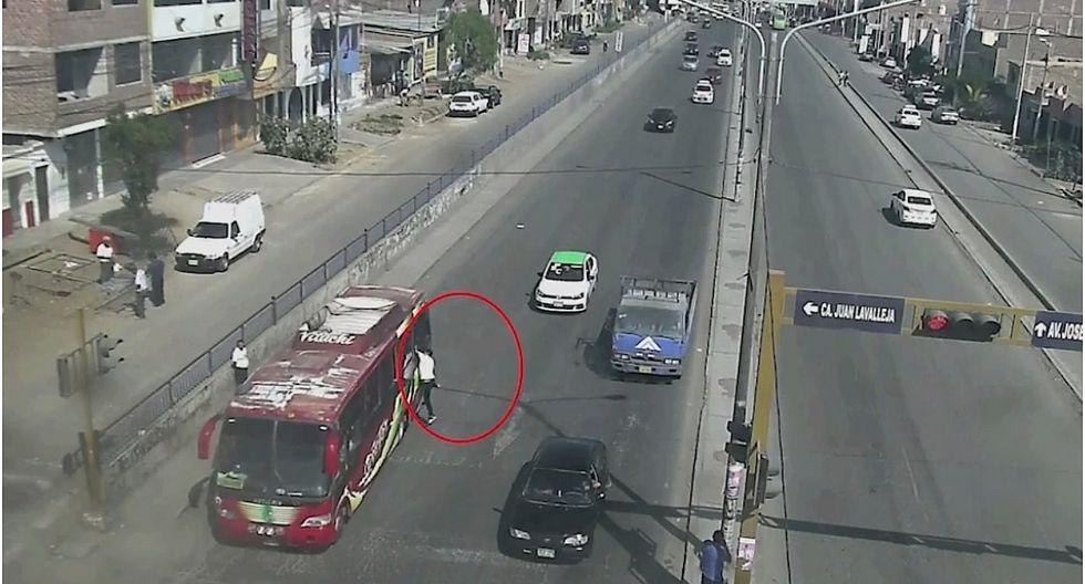 Cámaras de seguridad captan asaltos al paso en La Esperanza, La Libertad (VIDEO)