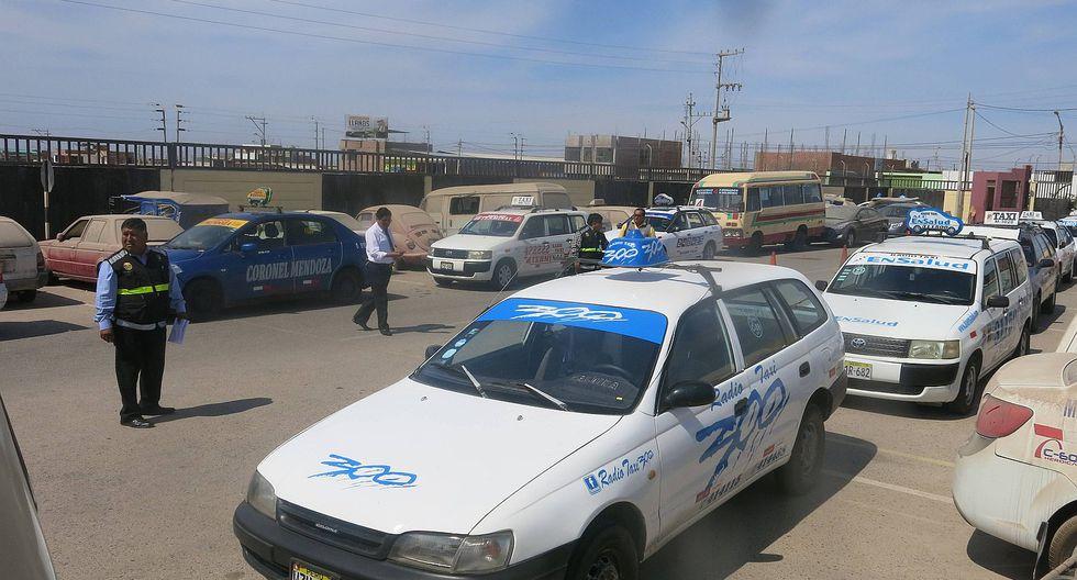 Taxistas retrasan reglamentación al no presentar propuestas