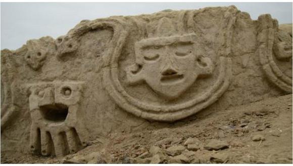 Hallan relieves en Zona Arqueológica de Caral de 3,800 años de antigüedad (FOTOS)
