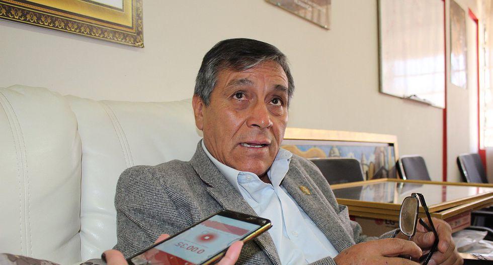Lurquín Zambrano asume rectorado de la Unsch tras renuncia
