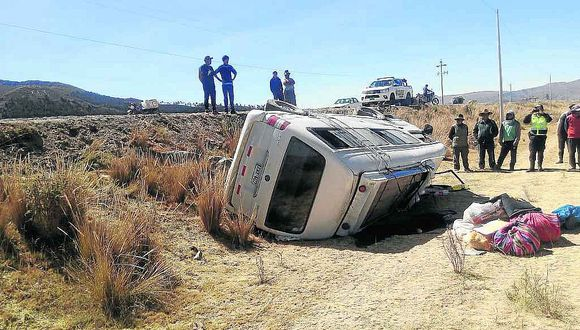 Miniván se despistó y dejó a once heridos en vía Juliaca - Huancané