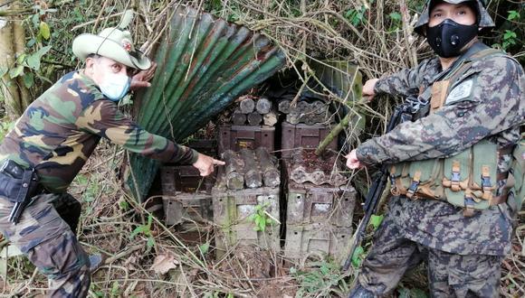 El arsenal estaba cubierto por la maleza. (Foto: PNP)