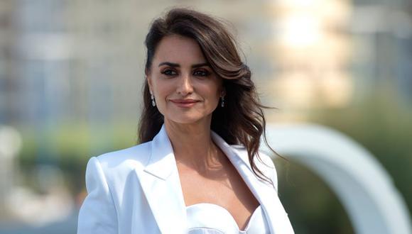 Esta vez la actriz dejó boquiabiertos a todos con un nuevo estilo de corte que según la revista Vogue España, es conocido como corte de pelo 'efecto cabello sano'. (Foto: Ander Gillenea / AFP).