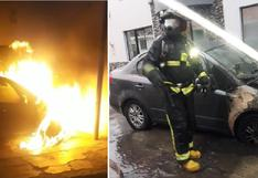 Con bombas caseras causan incendio en auto de locutor que criticó a aspirantes al Congreso