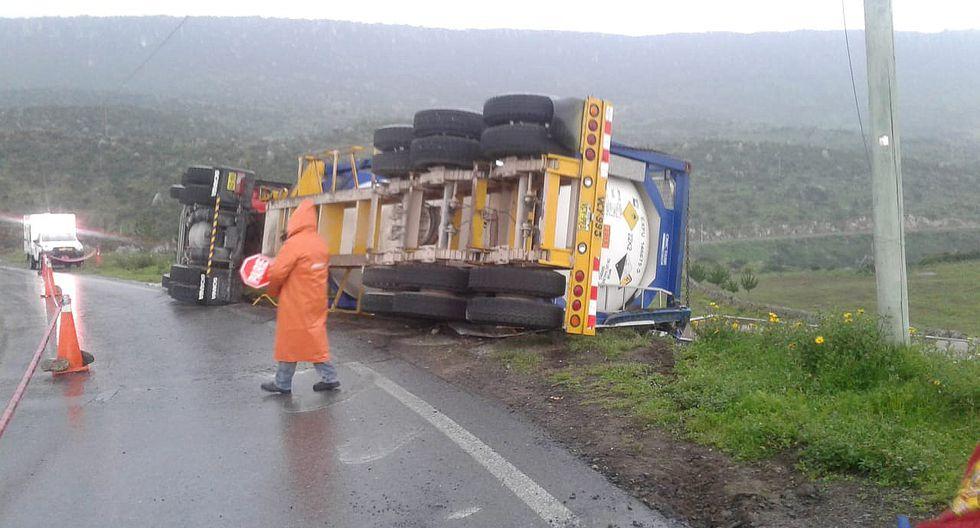 Pasajeros se salvan de morir en racha de accidentes