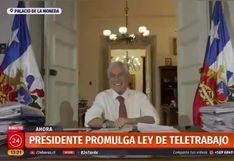 Sebastián Piñera pidió que lo aplaudan y terminó aplaudiendo solo (VIDEO)