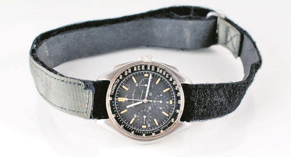 Subastan por $1.6 millones reloj de astronauta de Apolo 15