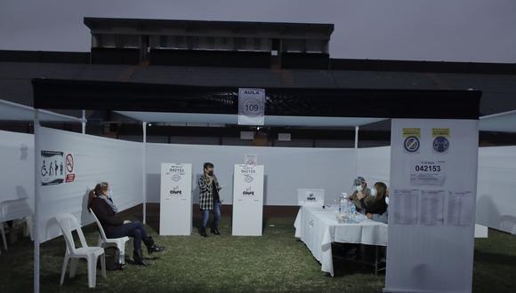 Conteo de votos oficiales de las Elecciones 2021. (Fotps: Jorge Cerdan/@photo.gec)