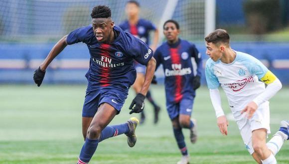 Chadaille Bitshiabu entrena con el primer equipo del club parisino. (Foto: PSG)
