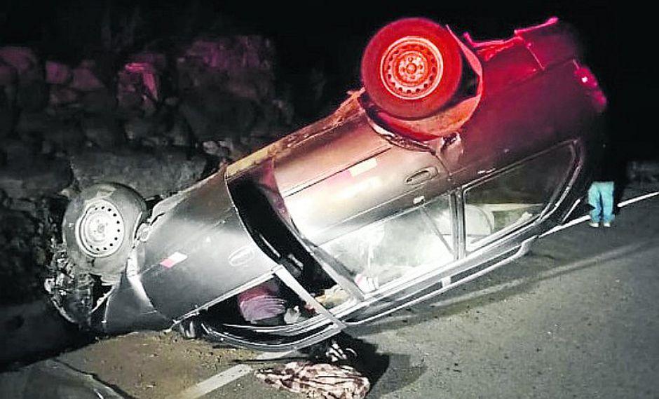 Volcadura de auto deja un muerto en Huaytará