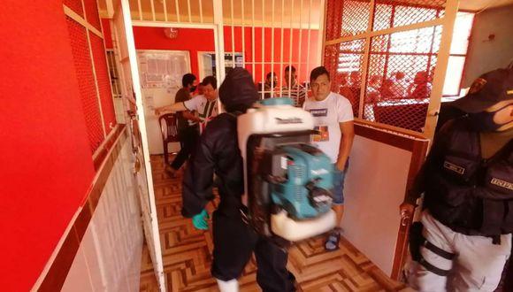 Las autoridades de salud procedieron a desinfectar los 13 pabellones y diferentes ambientes del penal. (Foto: Difusión)