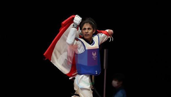 Angélica Espinoza luce la medalla de oro que le dio al Perú. (Foto: ANPPERU)