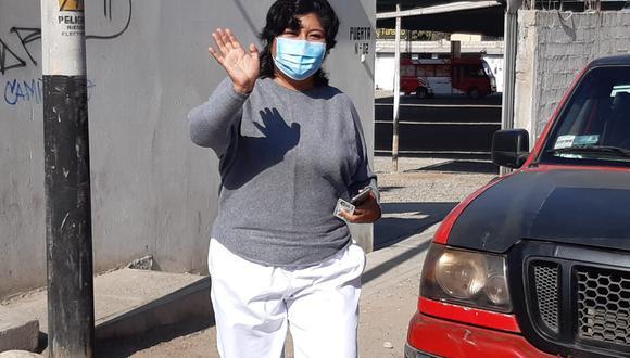 Betssy Chavez Chino votó en el colegio adventista 28 de Julio sin presagiar que en la tarde se convertiría en virtual congresista. (Foto: Correo)
