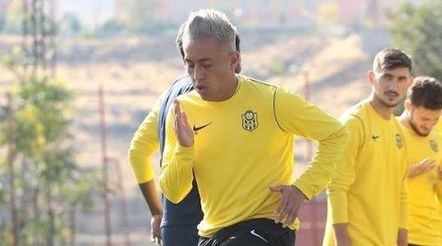 entrenador-de-cueva-en-turquia-no-tengo-problemas-con-los-sudamericanos-si-con-los-que-no-se-sienten-identificados
