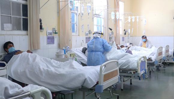 Médicos y exjefe del Indeci consideran que la situación que vive el país es dramática y sugieren que hay que pedir ayuda internacional