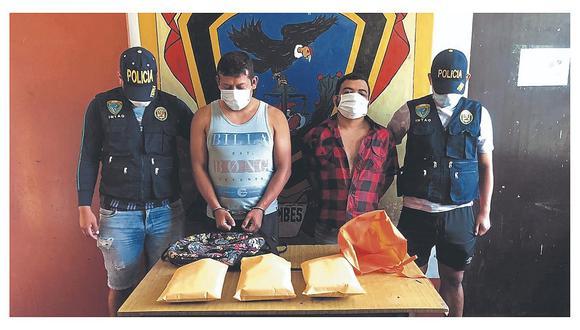 Intervienen a policía en auto que llevaba tres  kilos de marihuana