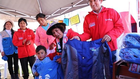 Entregarán más de 69 mil kits de abrigo en 18 regiones