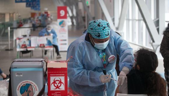 El Ministerio de Salud (Minsa) menciona que se encuentran avanzando a pasos agigantados en la inoculación de peruanos y extranjeros en el país. Hasta el momento, se ha vacunado a un 38% de la población y cada día las cifras de inmunizados crecen gracias a distintas estrategias. (Foto: GEC/ Eduardo Cavero)