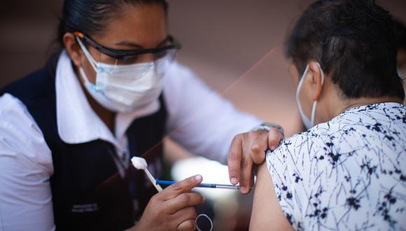 El trabajo se hizo con 142 trabajadores de los hospitales públicos de la provincia de Buenos Aires que se ofrecieron como voluntarios. De ellos 22 habían estado previamente infectados con el nuevo coronavirus.