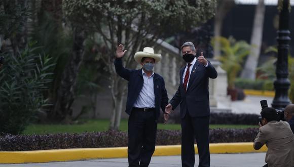 Presidente Francisco Sagasti se reúne con  Pedro Castillo en palacio de gobierno. Fotos: Hugo Perez / @photo.gec