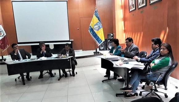 Regidores aprueban empezar la vacancia de concejal Elmer Rodríguez