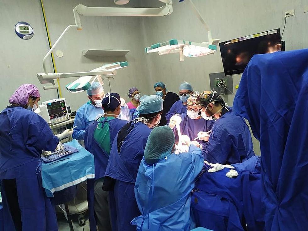 IREN Sur realiza cirugía reconstructiva por primera vez