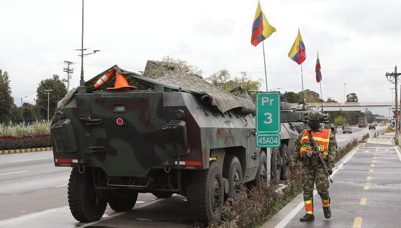 Alcaldesa de Bogotá pide refuerzos militares ante las violentas protestas de esta noche. (Foto: DANIEL MUNOZ / AFP)