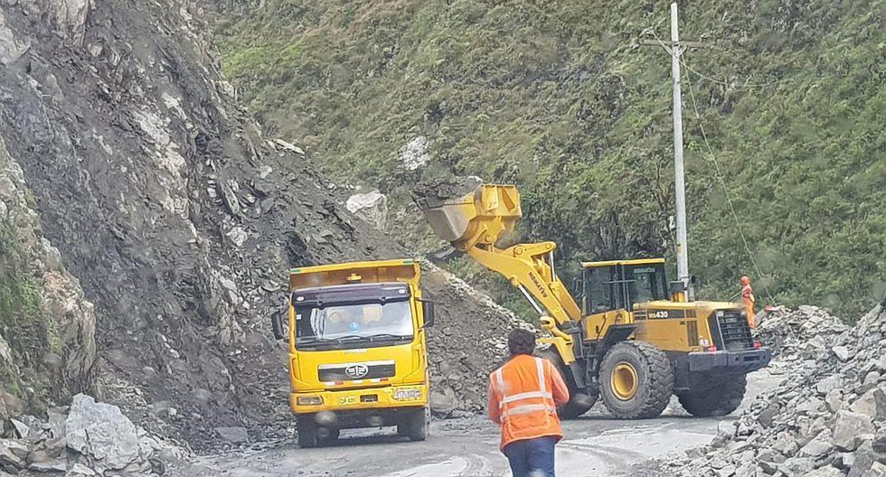 Cerrarán carretera marginal por horas para evitar accidentes por deslizamientos
