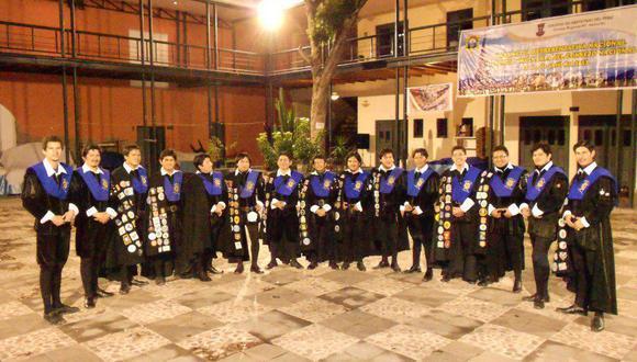 Tuna Universitaria logra premios en festival internacional
