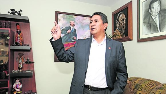 Los continuos mensajes de Vladimir Cerrón sobre lo que significaría un eventual gobierno de Pedro Castillo sin la aplicación del plan de Perú Libre no hacen más que consolidar la idea de que cada vez más asoma la ruptura.