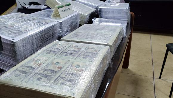 La Policía incautó US$ 5 millones falsificados e insumos para su elaboración en un cuarto alquilado en el Cercado de Lima. (Foto:PNP)